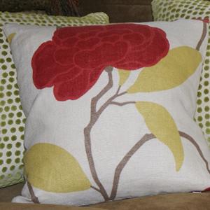 kh-pillow-1-700x384